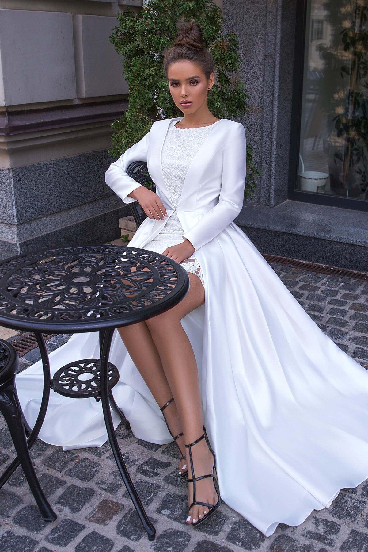 Сукня і плащ Ananta White